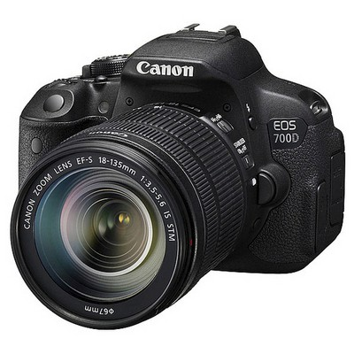 "Canon EOS-700D 18MP 3.2"" LCD FullHD Video Kayıt APS-C Digic5 18-135 IS-STM Lens Kit Dijital Slr Fotoğraf Makinesi"