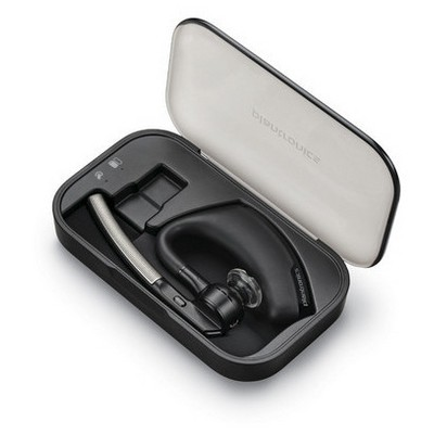 plantronics-oyager-legend-charging-case