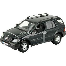 Maisto Mercedes-benz Ml 1:24 Model Araba S/e Siyah Arabalar