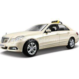 Maisto Mercedes E-class Taxi 1:18 Model Araba Krem Arabalar
