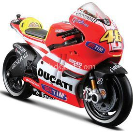 Maisto Ducati Valentino Ros Model Motosiklet 1:18 Arabalar