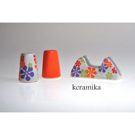 Keramika Set Tuzluk Bıberlık Assos Pecetelık Platın 3 Parca Beyaz 004-turuncu 200 Renklı Trend A Baharatlık