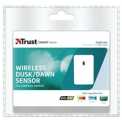 Trust 71034 Karanlık / Aydınlık Sensörü Akım Korumalı Priz