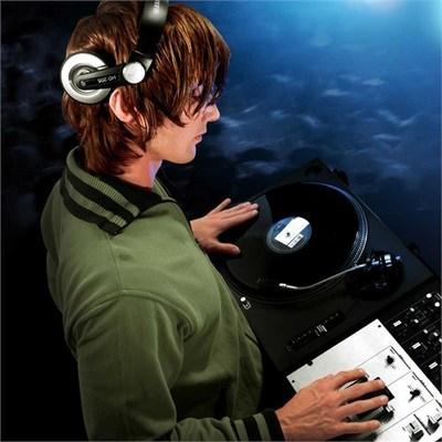 Sennheiser HD 205 Kafa Bantlı DJ Kulaklığı