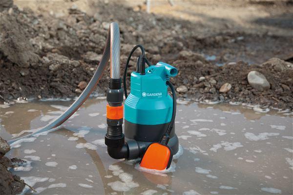 <strong>Sağlam ve güçlü kullanım</strong><br/>  Pis Su Pompası çok amaçlı kullanılabilir ve 25 mm çapa kadar tanecikler içeren pis suyu aktarabilir veya tahliye edebilir.