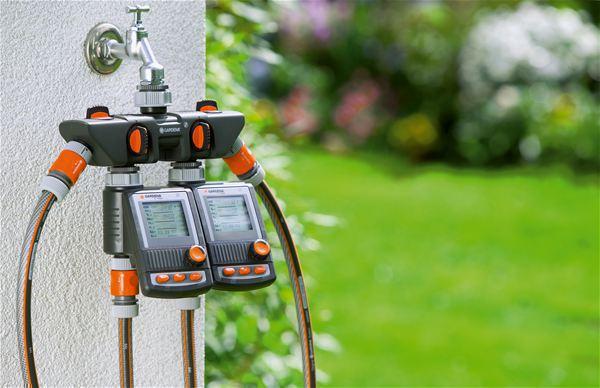 <strong>Bir muslukta 4 aygıt</strong><br/> Dört Kanallı Su Dağıtıcısı kullanılarak bir musluğa aynı anda birkaç aygıt bağlanabilir.