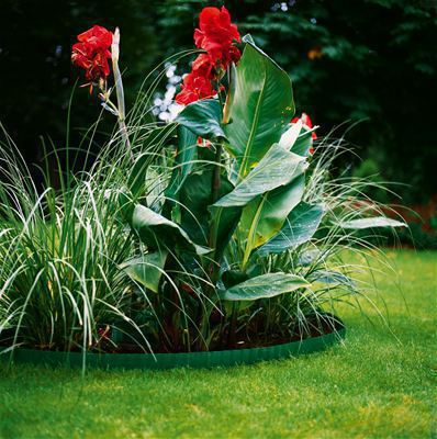 <strong>Fazla dikkat çekmez</strong><br/>Toprak renklerinde üretilen Çim Kenarlarını Kesme aleti doğal ortama uyum sağlar ve nahoş bir şekilde göze batmaz.