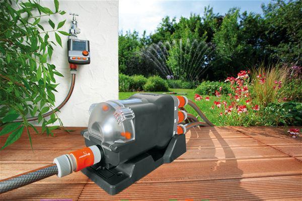 <strong>Yüksek derecede otomasyon</strong><br/>GARDENA Otomatik Su Dağıtıcısıyla (Ürün No. 1198-20) birlikte, aynı anda altı taneye kadar bağlı aygıt ayrı olarak kontrol edilebilir.