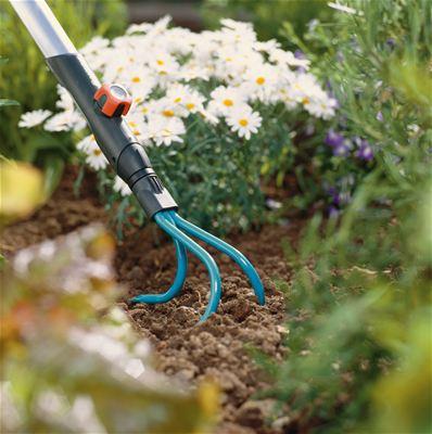 <strong>Kolay çalışma</strong><br/>Bu combisystem Çapada sağlam dişler olup, taşlı toprak ve yakın sık bitkiler için son derece uygundur.