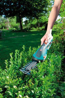 <strong>Kolay taşıma ve koruma</strong><br/>Genişletilmiş kolu sayesinde, çim ve şimşir makasları kolayca taşınır ve bu sayede en iyi şekilde desteklenir.