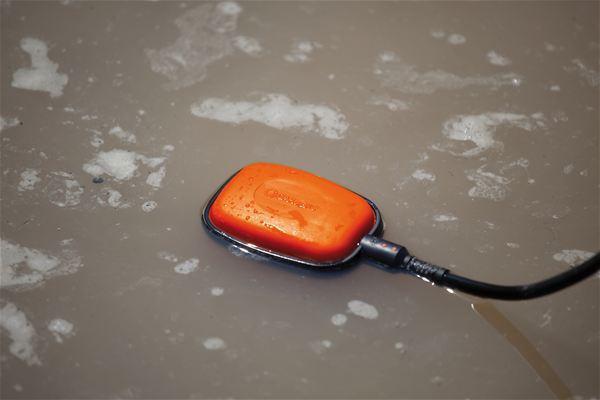 <strong>Otomatik çalışma</strong><br/>  Rahat kullanım için, ayarlanabilir Şamandıralı Anahtar su seviyesine bağlı olarak pompayı otomatik olarak açıp kapatır.