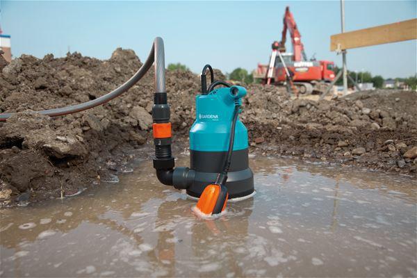 <strong>Güvenli pompa çalışması</strong><br/>  Motor termal koruma anahtarıyla aşırı yüke karşı korunur. Böylece pompanın güvenli çalışması sağlanır.