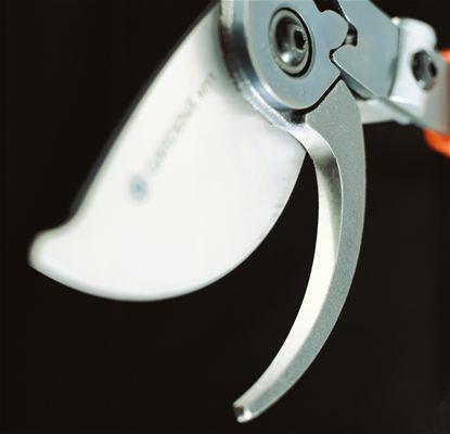 <strong>Seçkin özellikler</strong><br/> Değiştirilebilir bıçaklar paslanmaz çeliktendir ve dökme alt bıçaklar uzun bir kullanım ömrü sağlar.